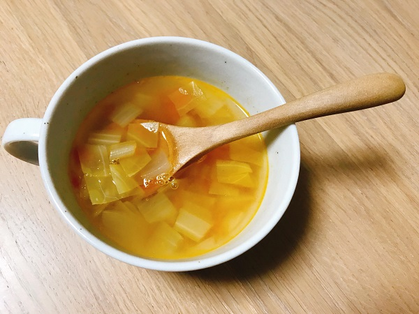 トマトとセロリのスープ