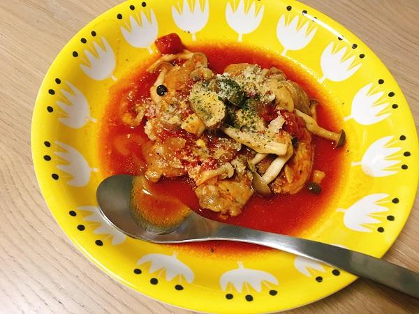 豚肉ときのこのトマト煮込み
