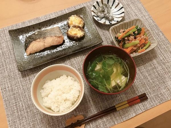 小松菜とにんじんのツナ和え献立例