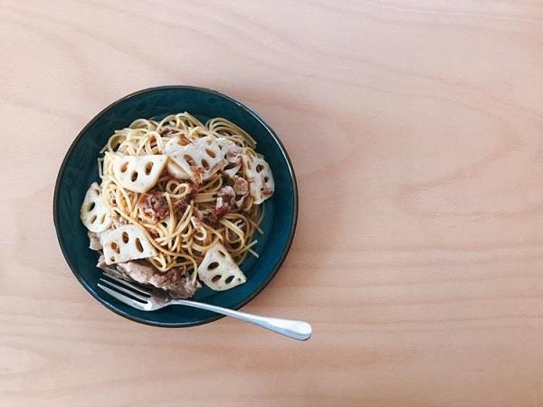 豚肉とれんこん、梅のスパゲティ