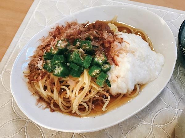 とろろとおくらと梅干しのスパゲティ